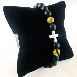 Men or women onyx green agate cross bracelet
